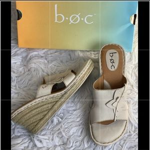 B.o.c. Cream floral leather wedges
